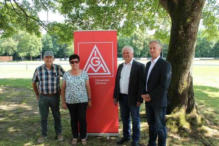 Foto: v.l.n.r: Ludwig (Lubber) Neumeier, Elisabeth Kuhn, Wolfgang Ziller, Jens Öser.