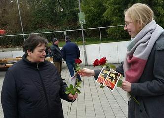 Brot und Rosen.