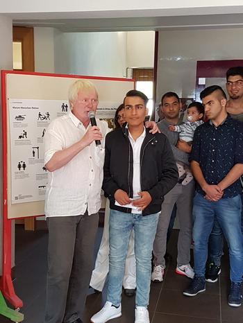 """Ausstellung """"Asyl ist ein Menschenrecht"""" im Rathaus Burgsinn"""