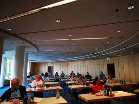 Über 20 unterfränkische ehrenamtliche Arbeitsrichterinnen und Arbeitsrichter kamen am 5. Oktober nach Aschaffenburg.