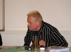 """Günter Pierdzig, Sprecher der nordbayerischen Bündnisse gegen Rechts, bewertet in einem Aufsatz das Verbot des Nazinetzwerkes """"Freies Netz Süd"""" (FNS)."""