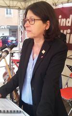 Dr. Verena Di Pasquale, stellvertretende Vorsitzende des DGB Bayern, warnte während ihrer Mairede in Würzburg vor den Folgen der Rentenpolitik der vergangenen Jahre.