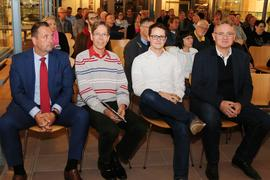 v.l. Bernd Schötterl (FW), Joachim Schneider (Die Grünen), Jörg Pischinger (SPD), MdL Berthold Rüth (CSU)