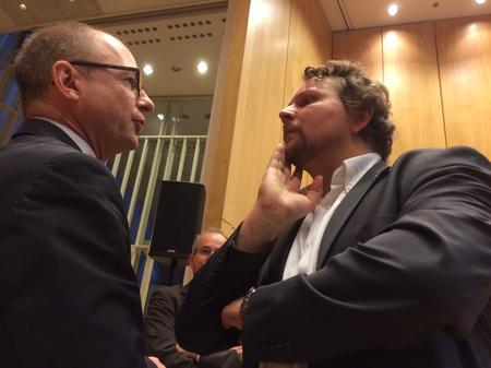 Die beiden Gewerkschafter Firsching und Wortmann im Gespräch