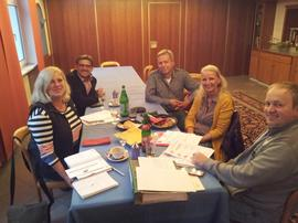 Vorstandssitzung des DGB im Landkreis Rhön Grabfeld: Im Bild Gudrun Scheuplein (ver.di), Wolfgang Tandler (IGM), Wolfgang Büchner (GEW), Christine Fischer (IGBCE) und Thorsten Raschert (IGM).