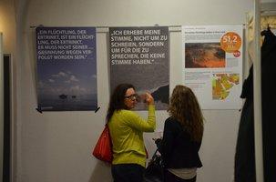 Gespräche über die Ausstellung Asyl ist Menschenrecht