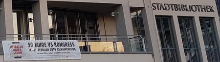 Aschaffenburg bezeichnet sich selbst als Kulturstadt, an diesen vier Tagen lebte sie diese Kultur. Dabei unterstützte die Stadt Aschaffenburg den Kongress bei der Gestaltung und Umsetzung des Programms und beflaggte das Schloss mit Kongressfahnen, brachte an öffentlichen Gebäuden wie dem Theater oder der Stadtbibliothek Banner an, sodass keinem verborgen blieb, dass dieser Kon-gress gerade in der Stadt abgehalten wird.