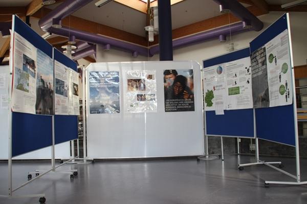 """WIKA zeigt im Betrieb die Ausstellung """"Asyl ist Menschenrecht"""""""