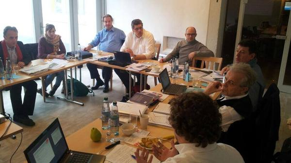 Die politischen Sekretärinnen und Sekretäre der fränkischen DGB Regionen trafen sich vergangene Woche in Wiesenbronn im Landkreis Kitzingen. Diskutiert wurden gewerkschaftliche Vorstellungen zur regionalen Strukturpolitik. Besonders im Blick dabei: Die Situation in den Bezirken Ober- Unter und Mittelfranken.