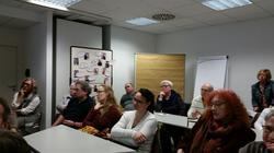 DGB Regionssekretär Wortmann und Frau Höreth warben gemeinsam für den betrieblichen Pflegelotsen, den die Initiative bayerischer Untermain anbietet.