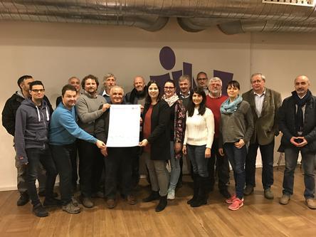 """Aschaffenburg. 17 Organisationen und zivilgesellschaftliche Akteure haben am Montag, den 6. Februar 2017 in Aschaffenburg das Selbstverständnis """"Aschaffenburg ist bunt"""" erstunterzeichnet und damit eine gemeinsame inhaltliche Grundlage für die Arbeit im Bündnis geschaffen."""