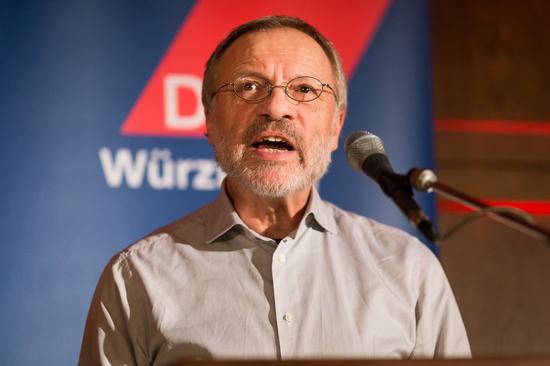 Der erste Bevollmächtigte der IG Metall Verwaltungsstelle Würzburg, Walther Mann, erinnerte an den Streik der IG Metall 1995 in den Würzburger Metallbetrieben.