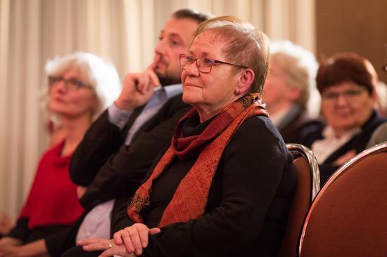 Ehrengast beim Festakt. Würzburgs Bürgermeisterin Marion Schäfer-Blake, die selbst seit 40 Jahren Mitglied in der GEW ist.
