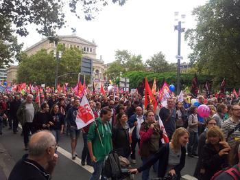 Stopp TTIP und CETA Demo am 17. September 2016 in Frankfurt: Die Erwartungen der Organisatoren der Demo wurden mit 50.000 Teilnehmerinnen und Teilnehmern in Frankfurt weit übertroffen.