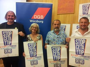 Uwe Hiksch, Karin Dauer, Walter Feineis und Norbert Zirnsak in Würzburg bei der Stopp TTIP Veranstaltung des DGB.