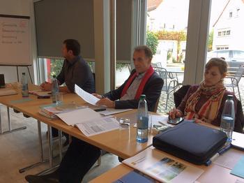 Strukturpolitik heißt für den DGB, die öffentliche Daseinsvorsorge zu sichern und Strategien für gute Arbeit durchzusetzen. Von Links: Norbert Zirnsak, Matthias Eckhart und Julia Römer.