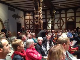 Großes Interesse: Zahlreiche Zuhörerinnen und Zuhörer fanden den Weg in die alte Rathausdiele nach Schweinfurt