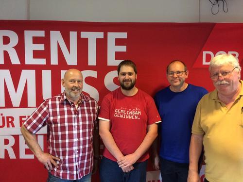von links: Klaus Hoffmann (IG BAU), Sebastian Braun (IGM), Klaus Schneider (IGM), Siegfried Steiner (ver.di)