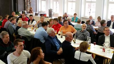 Etwa 70 Kolleginnen und Kollegen kamen zum 1. Mai in das Alte Amtshaus nach Bad Neustadt.