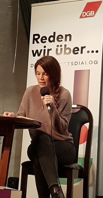 Publizistin Madeleine Hofmann: Macht Platz! Platz für Zukunft, Platz für die junge Generation, Platz für ein Land ohne Vorurteile gegenüber seinem Nachwuchs.