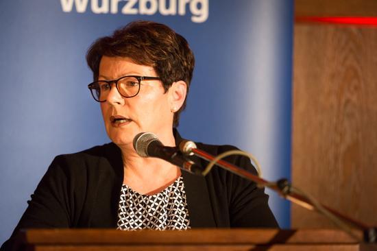 Die ehemalige ver.di Bezirksvorsitzende Elvira May-Lipp schilderte ihre Erinnerungen an die gewerkschaftliche Jugendarbeit in den 1970er Jahren.